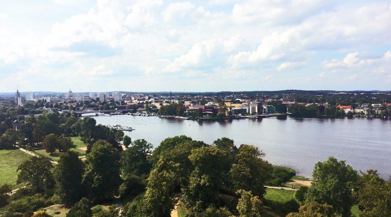 Blick auf Potsdam und die Havel vom Schlosspark Babelsberg © S.Weckeßer