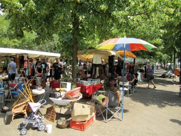 Jeden Sonntag ist Flohmarkt auf dem Boxhagener Platz © La Citta Vita / flickr.com (https://creativecommons.org/licenses/by-sa/2.0/deed.de)