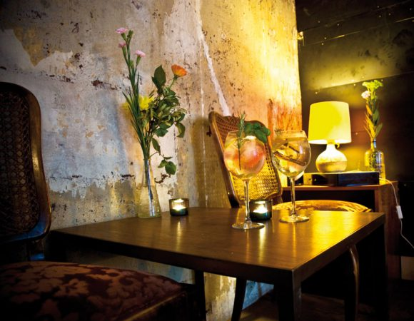 Im Norden Neuköllns schießen Cafés und Bars wie Pilze aus dem Boden © Max_7000 Lizenz: