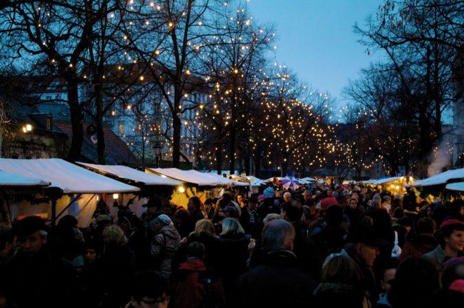 In Berlin etwas ganz Besonderes: Der Alt-Rixdorfer Weihnachtsmarkt © H. Füller Lizenz: