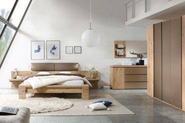 """""""Massivholzmöbel tragen im Schlafzimmer, ebenso wie in allen anderen Bereichen der heimischen Wohnwelt, zum Wohlbefinden bei."""" Foto: IPM/Thielemeyer"""