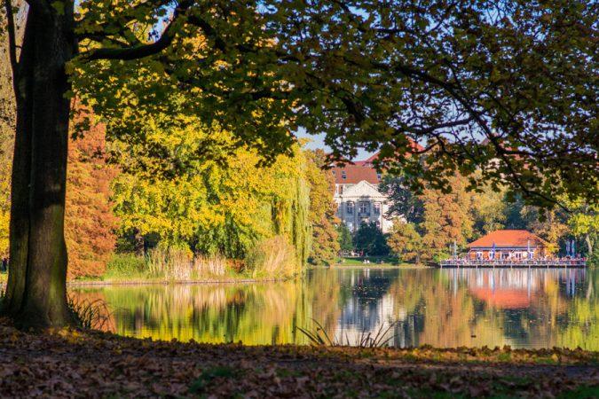 Lietzensee, Flickr, Hendrik Wieduwilt, by https://www.flickr.com/photos/hendrikwieduwilt/15747755431/