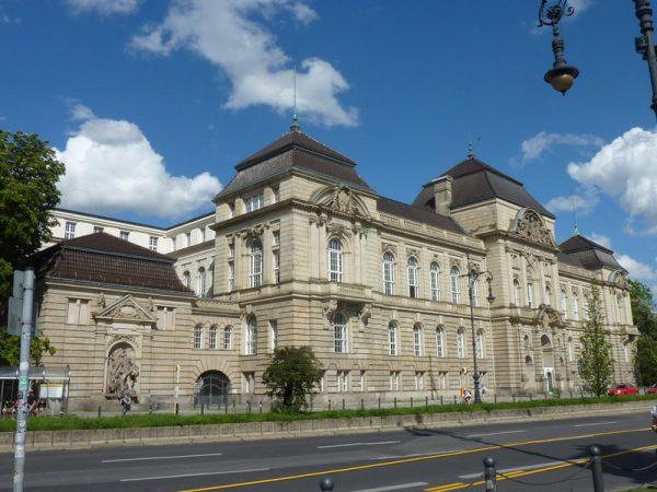 Universität der Künste Berlin © Copyright Bezirksamt Charlottenburg-Wilmersdorf