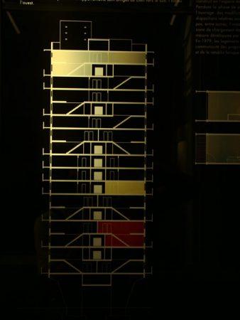 Informationstafel im Corbusierhaus, Alejandro Bustamante Campillo, flickr.com (https://creativecommons.org/licenses/by-nc/2.0/deed.de)
