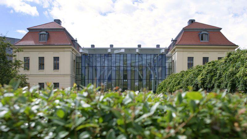 Außenansicht Jüdisches Museum Berlin, Altbau mit Glashof © Jens Ziehe