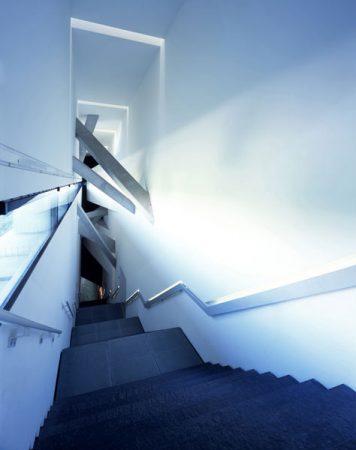 Innenansicht Jüdisches Museum Berlin, die Sackler Treppe © Jens Ziehe