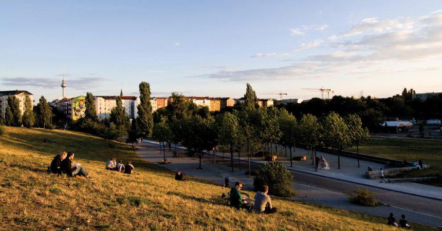 Beliebt insbesondere bei den jüngeren Menschen, der Mauerpark © Oh-Berlin.com / flickr, CC-BY-SA 3.0