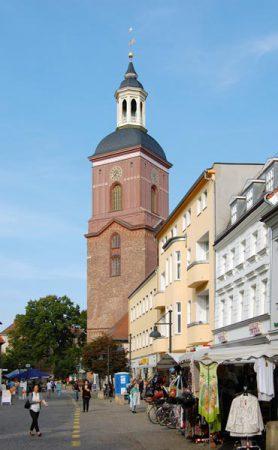 Die Nikolai-Kirche ist das Wahrzeichen der Spandauer Altstadt © N.Bettac