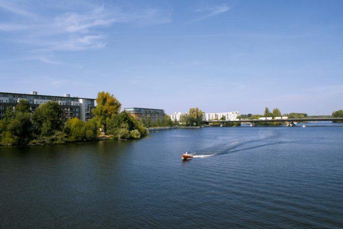 Leben und Wohnen an der Havel. Wohnhäuser entlang der Oberhavel © C.Bender-Saebelkampf