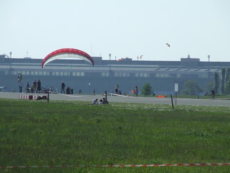 Das Tempelhoferfeld gilt als beliebtes Ausflugsziel für Groß und Klein © chris grabert / flickr.com