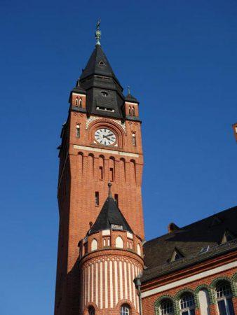 Das Rathaus von Köpenick erstrahlt im Stile der Märkischen Gothik © Michael T. Schmidt / isoarts.com