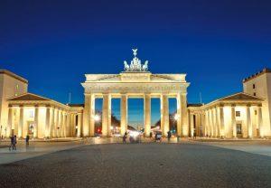 Berlin-Mitte-Brandenburger-Tor-Fotolia-300x208 Berlin Mitte
