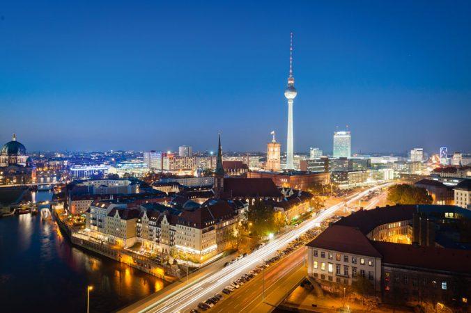 Blick über das Nikolaiviertel Richtung Rotes Rathaus und Fernsehturm © davis / Fotolia.com