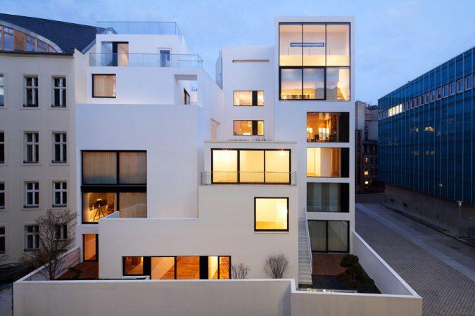 Haus an der Waisenstraße, Rückansicht © Aviel Avdar