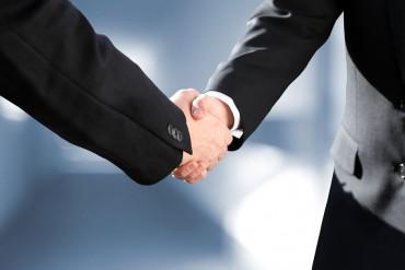 Eigentumswohnung Handschlag