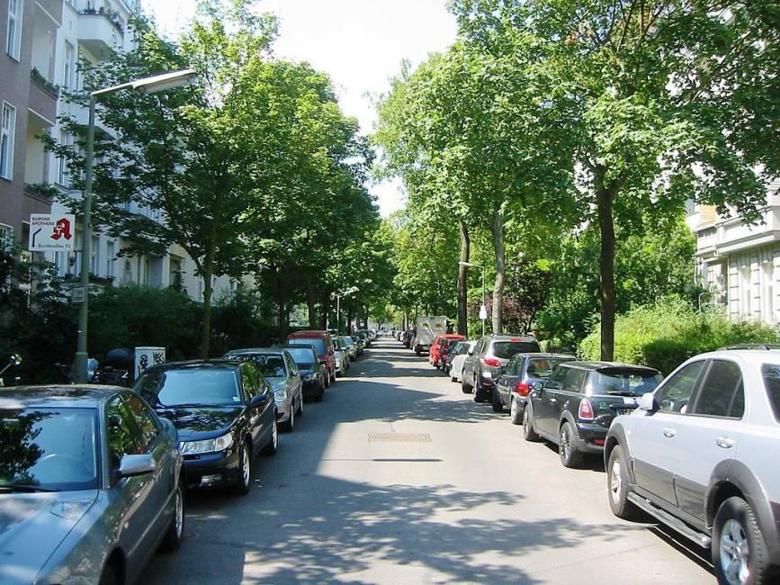 wohnen im dichter viertel in berlin friedenau exklusiv immobilien in berlin. Black Bedroom Furniture Sets. Home Design Ideas