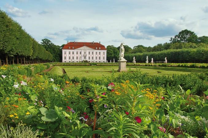 Im Jahr 1821 lässt Karl von Treskow den Schlosspark zu einem Landschaftsgarten umgestalten. • © Zoo Berlin