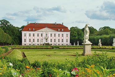 Schloss Friedrichsfelde Tierpark Berlin thumb
