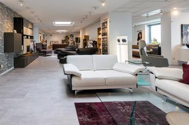 wohnwelten aus dem m belhaus h bner exklusiv immobilien. Black Bedroom Furniture Sets. Home Design Ideas