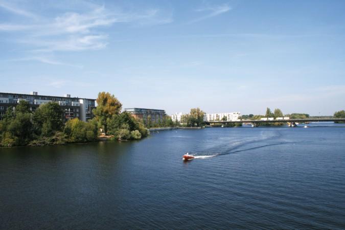 Blick von der Spandauer-See-Brücke auf das Quartier Havelspitze  © C. Bender-Saebelkampf