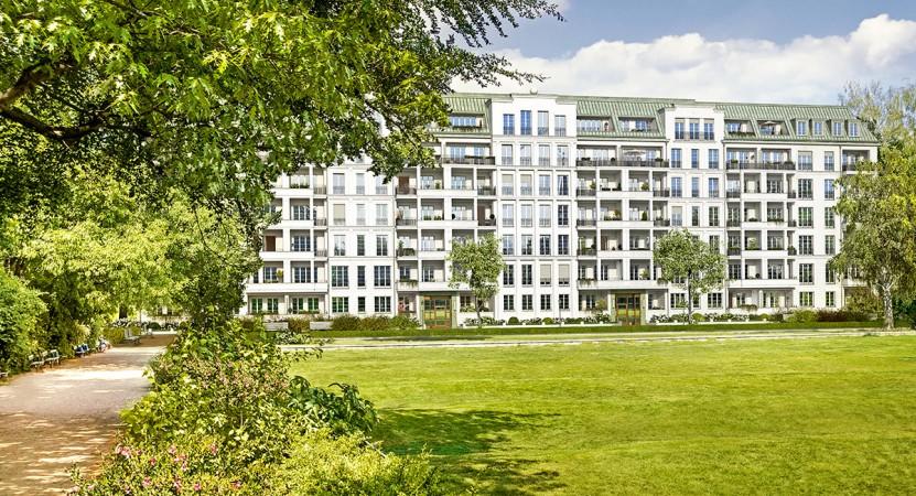 Viele Wohneinheiten mit  Südausrichtung und Blick über den Park • Am Hochmeisterplatz © Ziegert Bank- und Immobilienconsulting GmbH