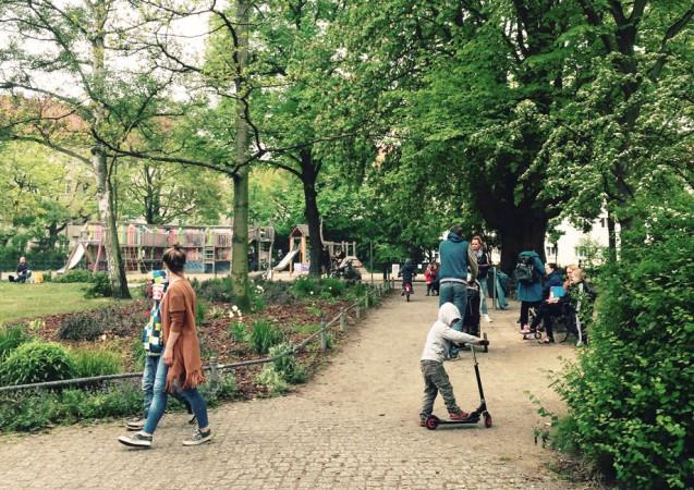 Eine typische Berliner Parkanlage: Erholung für Groß und Klein im Nibelungenviertel. © S.Weckeßer