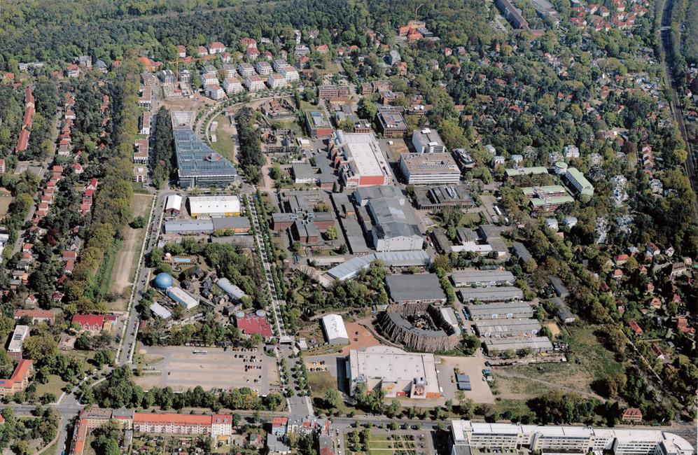 Luftbild-Filmpark-Babelsberg-KW-Development Baustart für das Pentagon in Potsdam