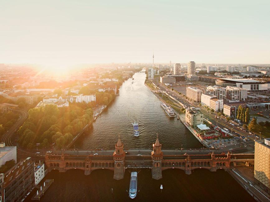 UPSIDE-BERLIN-Areal UPSIDE BERLIN: Wohntürme Max und Moritz wachsen demnächst rasant