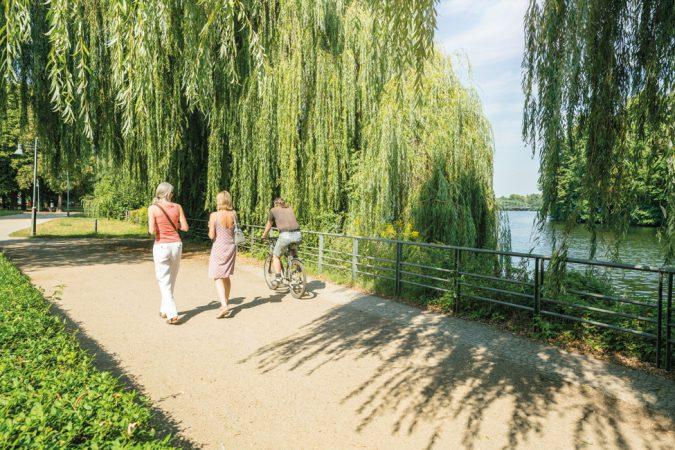Entlang der Havel in Spandau kann man herrlich spazieren gehen. © Project Immobilien Wohnen AG