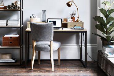 Carter – Möbel aus Eiche und schwarzem Stahl für einen modernen, puristischen Look © Neptune