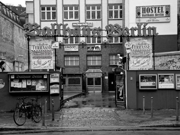 Das Ballhaus Mitte auf der Chausseestraße – Konzerte, Shows und Tanzvergnügen.  © Alberto Cabello Lizenz: CC BY 2.0