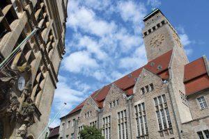 Bezirksvorstellung_Rathaus-Neukoelln-5412263_Mustafa-Kunst-from-Pixabay-300x200 Neukölln