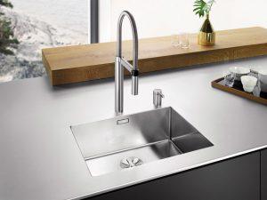 Materialmix_Kueche_Edelstahl-300x225 Materialmix in der modernen Küche