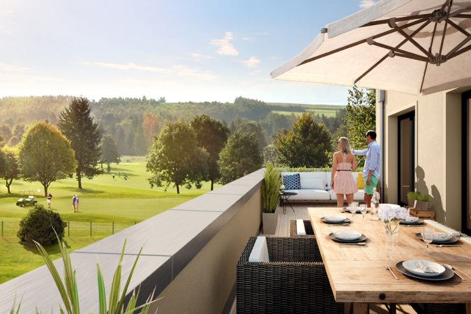 Genießen Sie bei einem Glas Wein die Aussicht  auf die gepflegte Anlage des Gatower Golfplatzes. © Bonava Deutschland GmbH