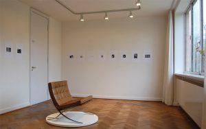 MvdRohe-Haus_Ausstellung-300x188 Kunst im Mies van der Rohe Haus