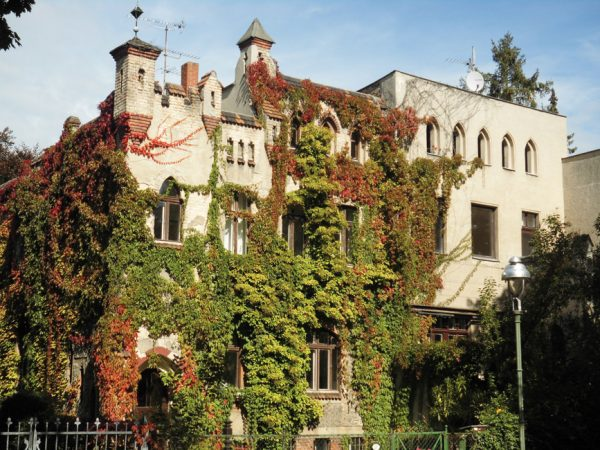 16 der 22 Lilienthal-Burgen in Lichterfelde-West stehen unter Denkmalschutz. Marthastraße 5 © Untere Denkmalschutzbehörde Steglitz-Zehlendorf