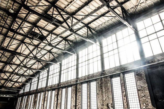 Eisen, Backstein und Glas sind die drei Werkstoffe, aus denen der Architekt Franz Ahrens die freitragende Halle schuf. © Markus Nass