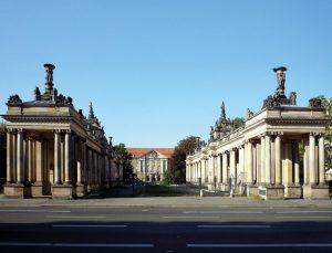Schoeneberg-Koenigskolonnaden-Berlin_wikimedia-300x229 Fast der Vergessenheit preisgegeben – Die Königskolonnaden
