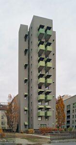 Kreuzberg-Tower-01-157x300 Schlank und Elegant