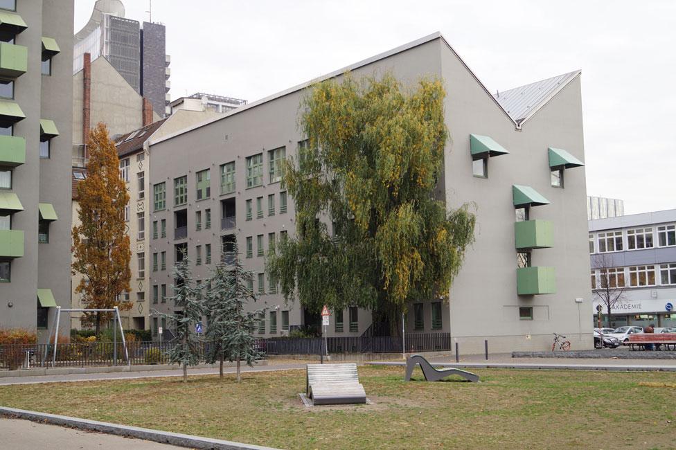 Kreuzberg-Tower-02 Schlank und Elegant
