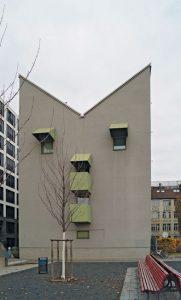 Kreuzberg-Tower-04-181x300 Schlank und Elegant