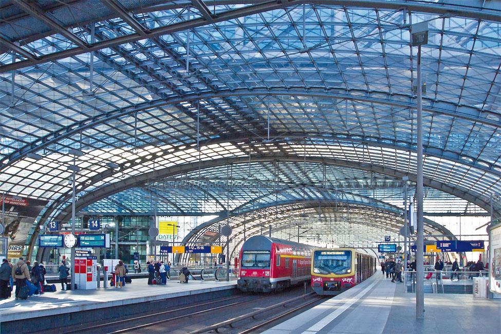 Stark-im-Trend_Berlin_Hauptbahnhof_oben_RBS-Bahn Wohnen im Berliner Umland