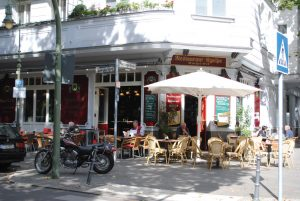 Bezirk-Charlottenburg-Wilmersdorf-Strassencafe-in-Wilmersdorf_flickr-300x201 Charlottenburg-Wilmersdorf