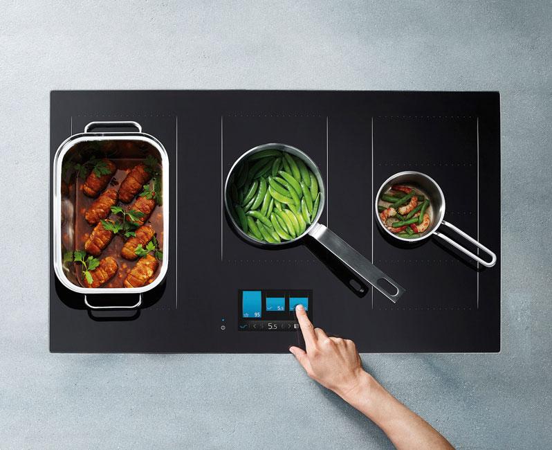 Küche-2019_herd-01 Küche 2019:  Hightech-Zentrale mit Seele