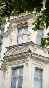 Immobilie-des-Monats_Lausitzer-Quartier-DSC00384-169x300 Rarität: Gründerzeit-Ensemble in Kreuzberg