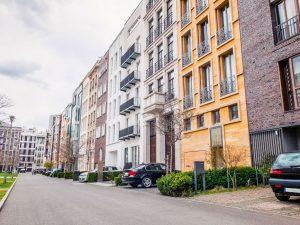 Immobilienmarkt-aktuell_Haus-oder-Whg_Fotolia_96029454_Subscription_Monthly_XL-300x225 Haus oder Wohnung: Die passende Wohnform finden