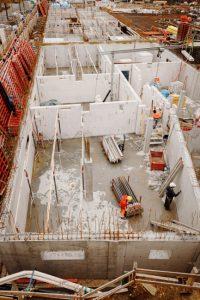 RL00871_1282_s-200x300 Grundsteinlegung für besonderes Wohnquartier
