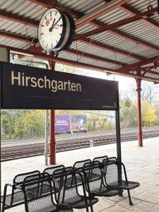 Architektur_RIV-S-Bahnhof-Hirschgarten-225x300 Villenkolonie Hirschgarten