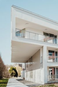 Sonderthema_Penthouse_Lofts_bernard-hermant-CLKGGwIBTaY-unsplash-200x300 Wohnimmobilien der Extraklasse in Berlin