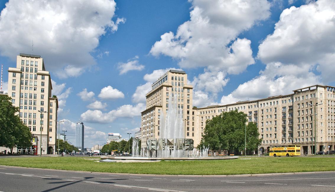 Sonderthema_StraußbergerPlatz_flickr Wohnimmobilien der Extraklasse in Berlin